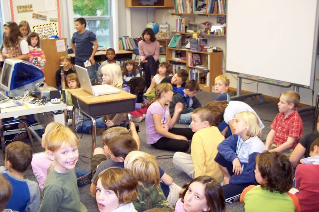 14 Ways To Get A Noisy Classroom's Attention